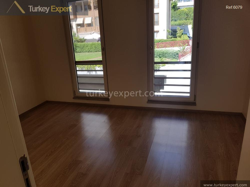 spacious waterfront apartment for sale7