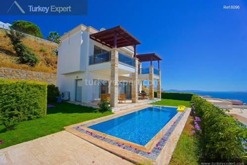 Beautiful sea view villa for sale in Bodrum Gumusluk