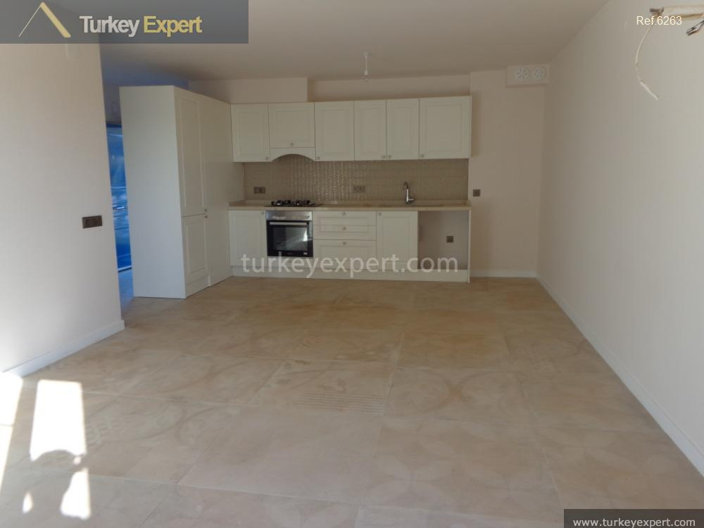 2bedroom apartment with garden and6