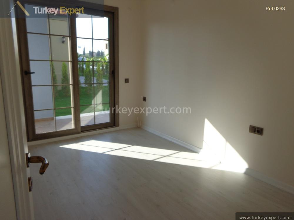 2bedroom apartment with garden and9