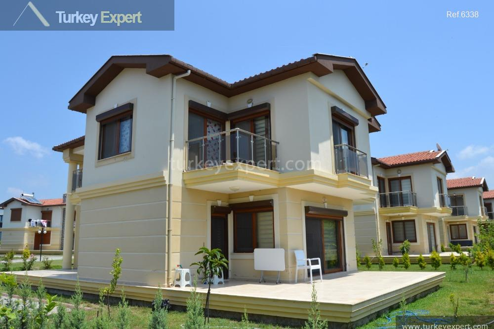 spacious detached villa on villa4