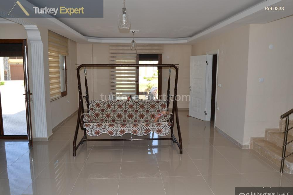 spacious detached villa on villa7