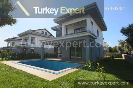 2detached villa with private pool4