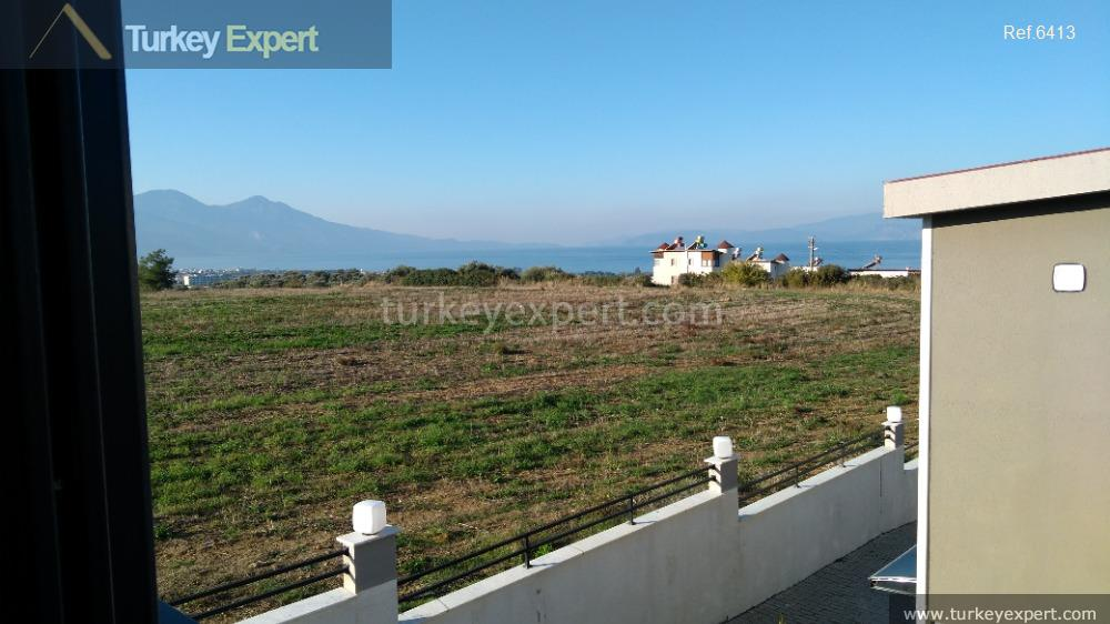 detached sea view villa with33