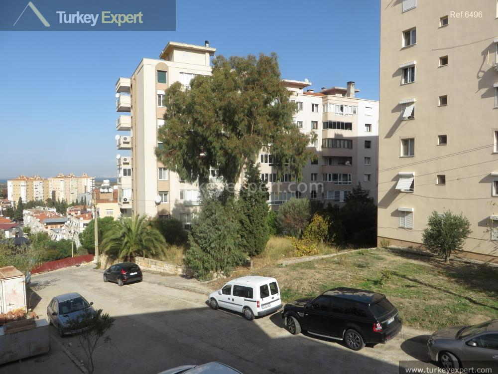 1residential apartment in izmir with101