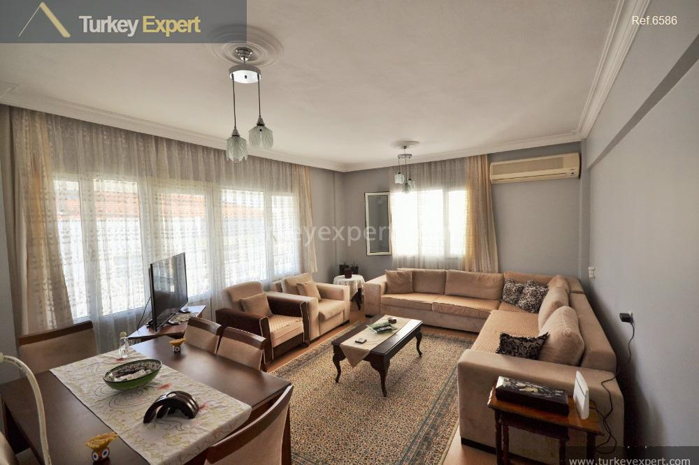 1_fp_3bedroom apartment only 225 m2