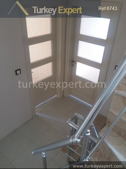 _fi_very private independent villa with12
