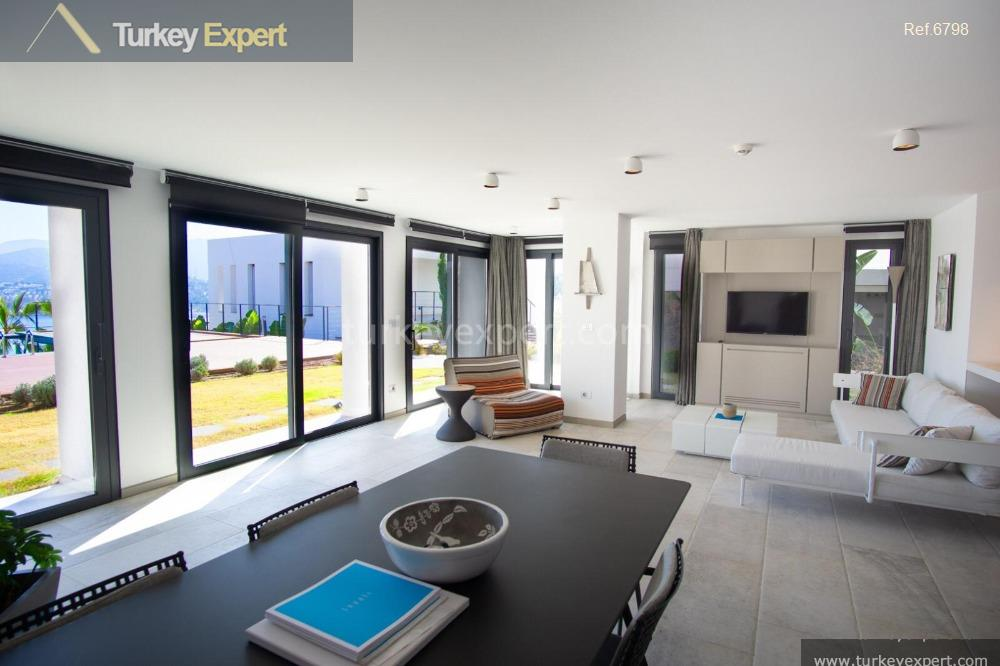 _fi_apartments with sea views on15