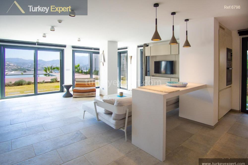 _fi_apartments with sea views on17