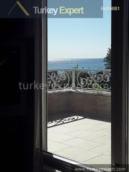 beautiful seafront villa for sale12