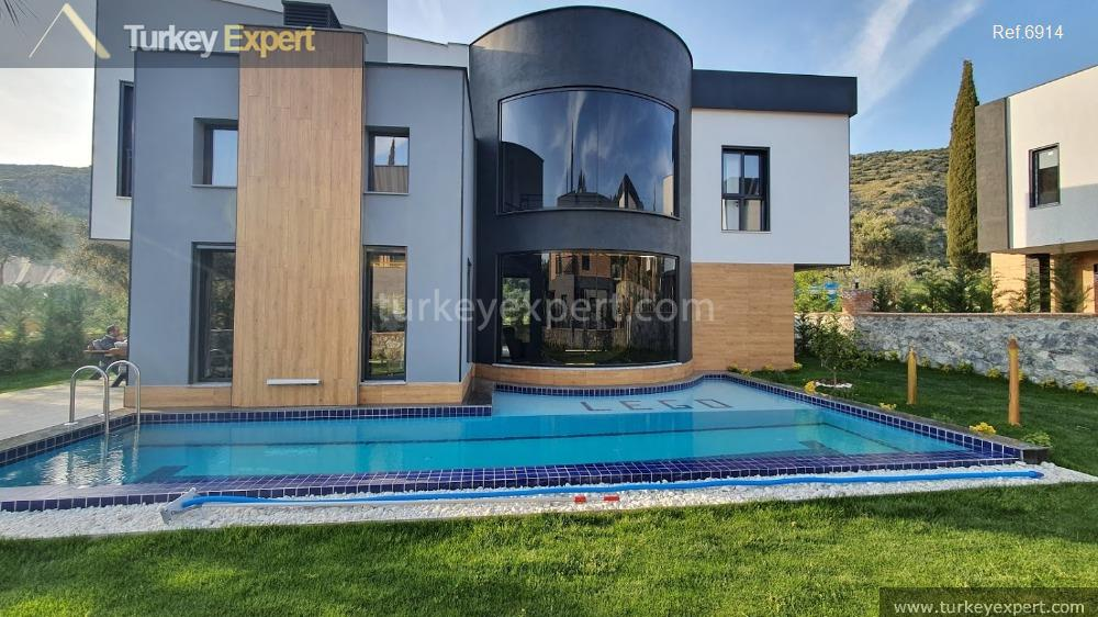 1very luxurious detached villa with15