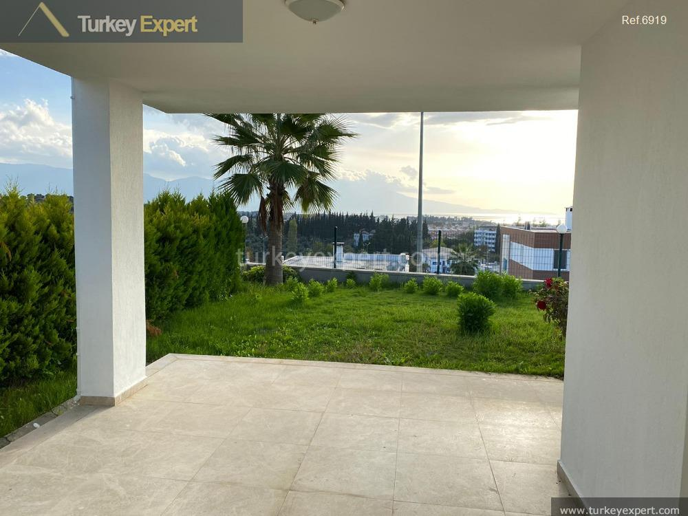 detached villa with sea view12