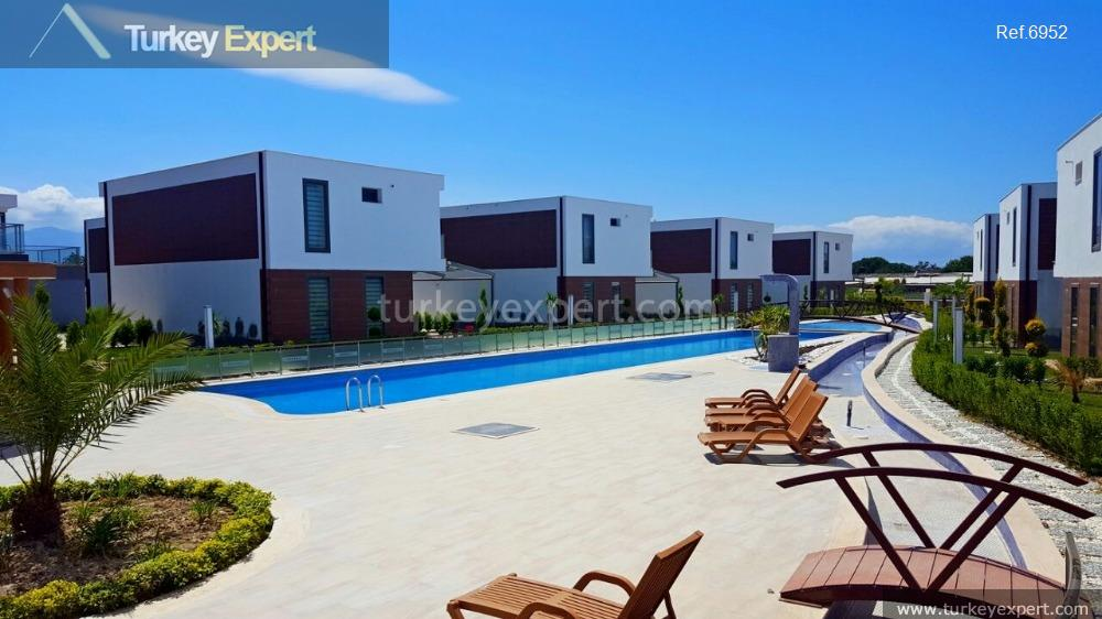 modern detached villa with private3
