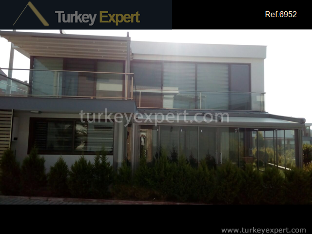 modern detached villa with private9