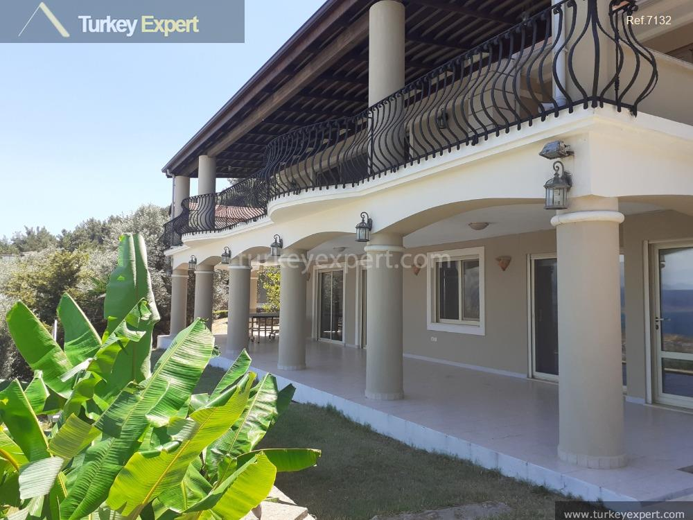 private villa in izmir for102