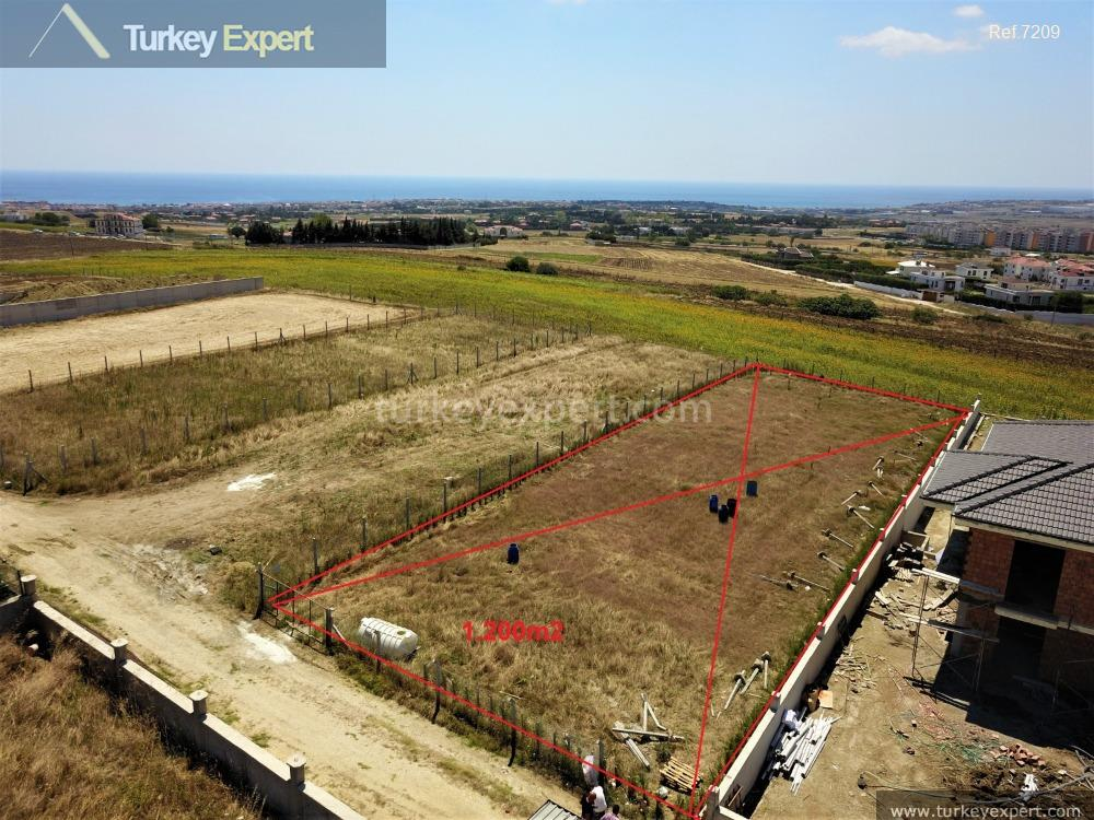 1building land for sale in1