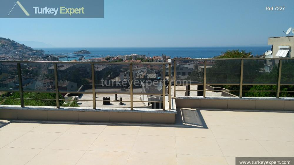 1penthouse apartment with open sea28