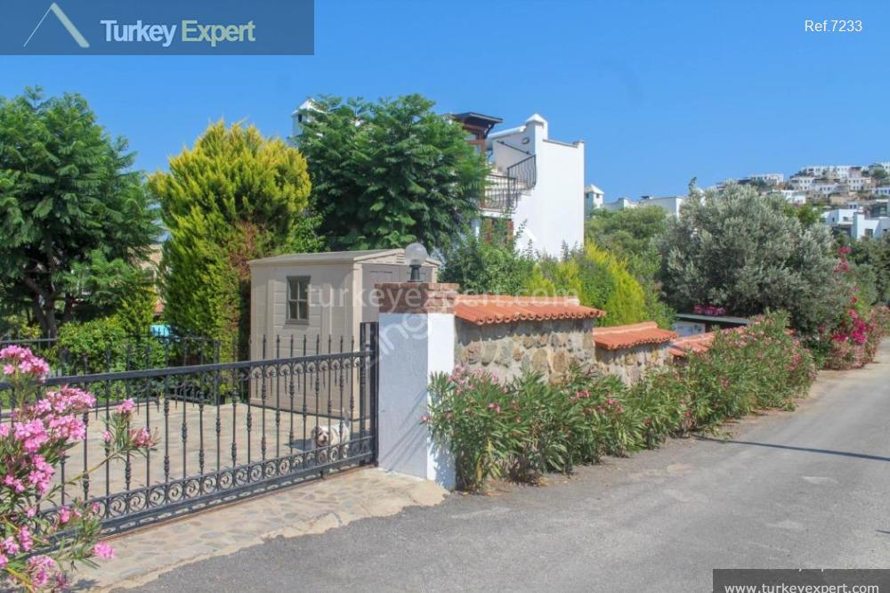 detached house for sale in16