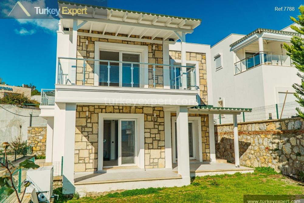 detached villa in bodrum with16