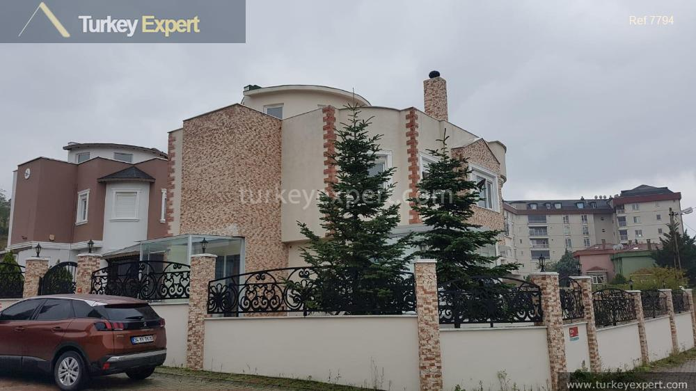 convenient detached house for sale istanbul1
