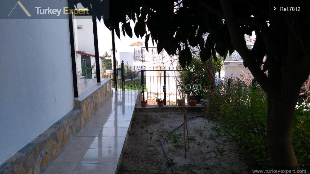 private villa with garden and26